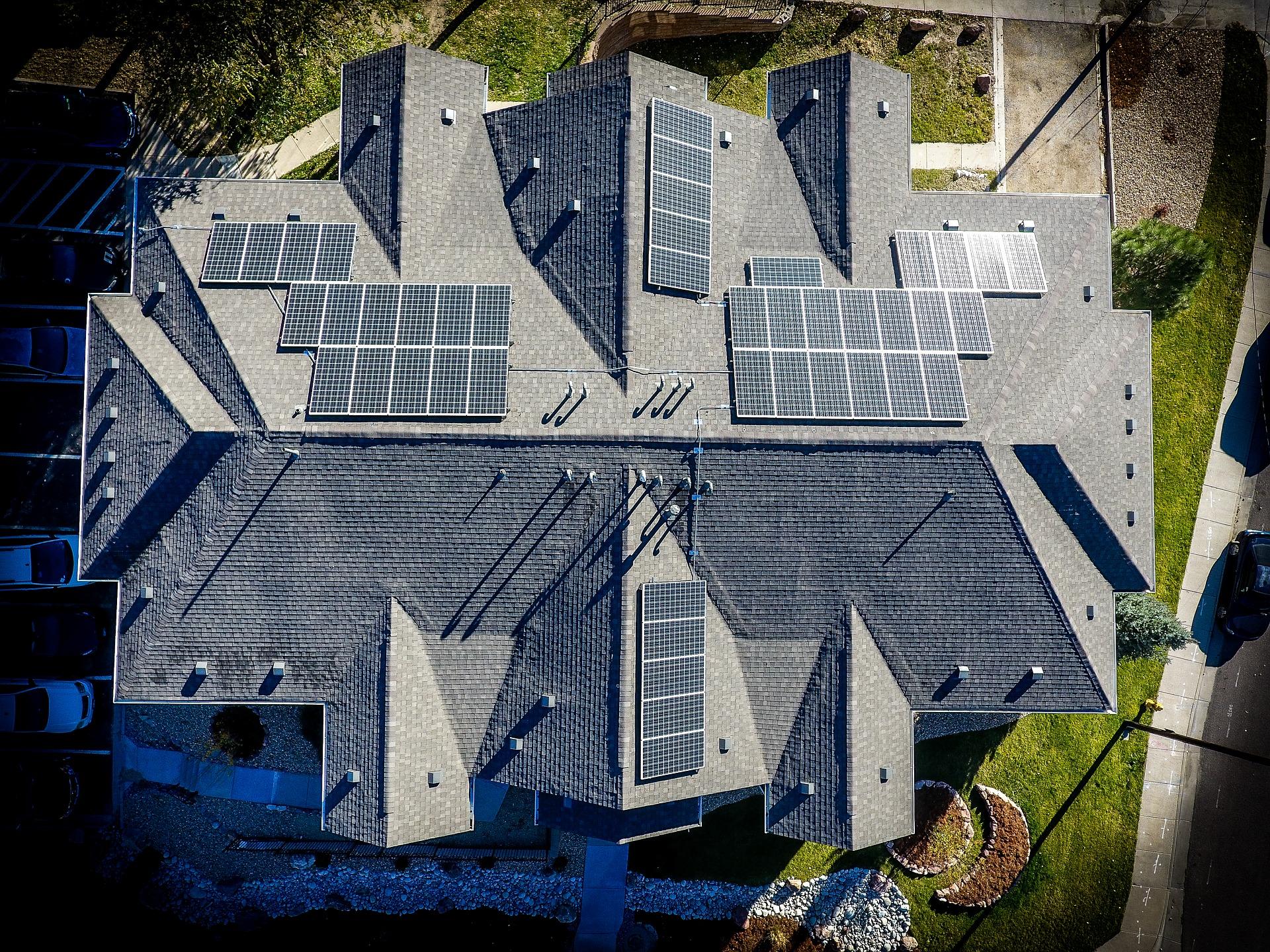 Fotovoltaické panely střecha