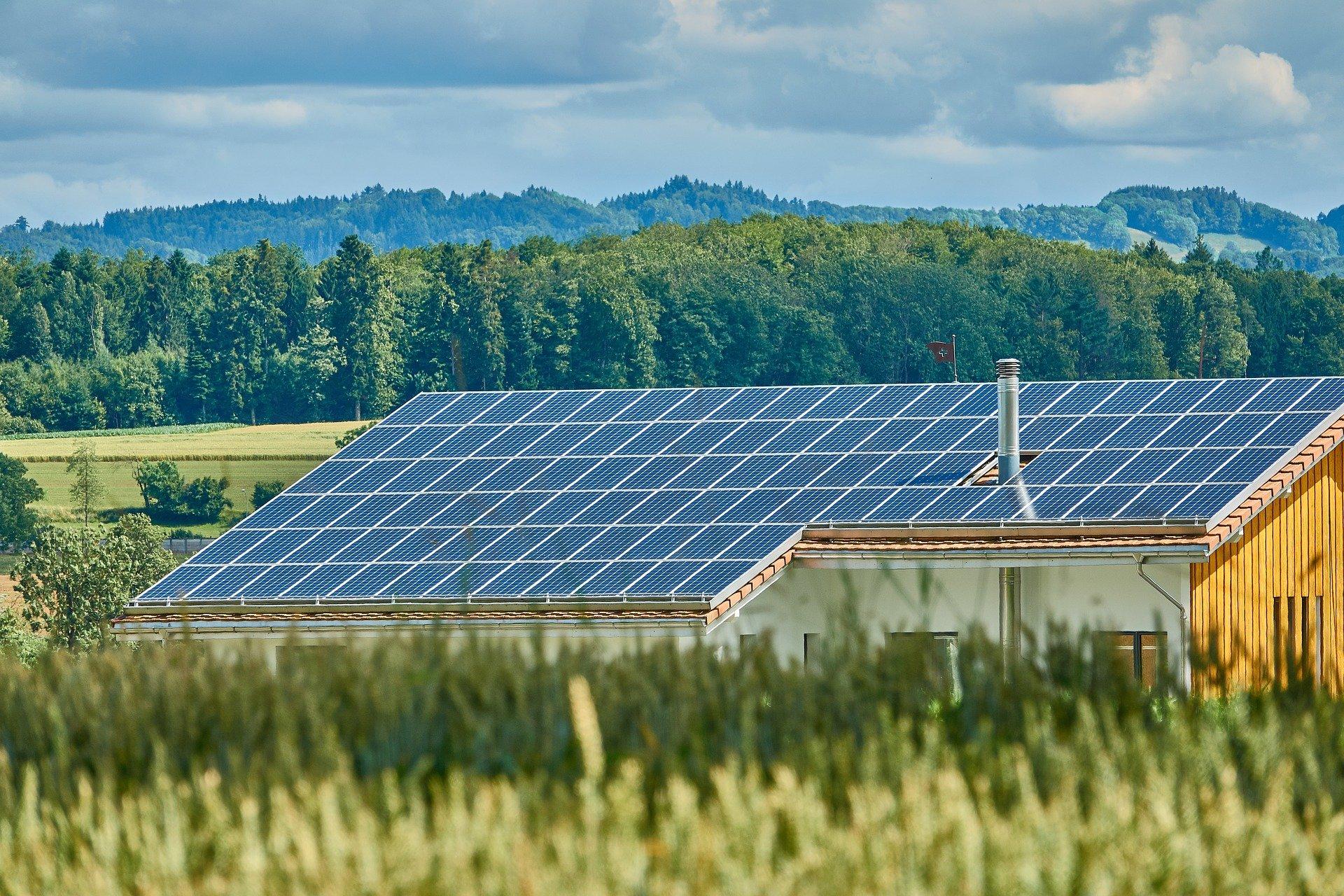 Solární panely dům