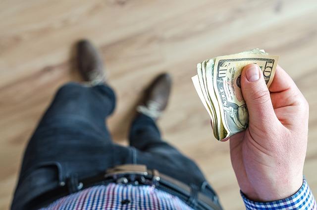 peníze na účty