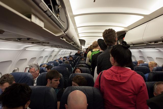 cestující v letadle.jpg