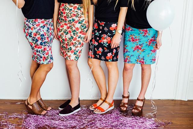 sukně s kytičkami
