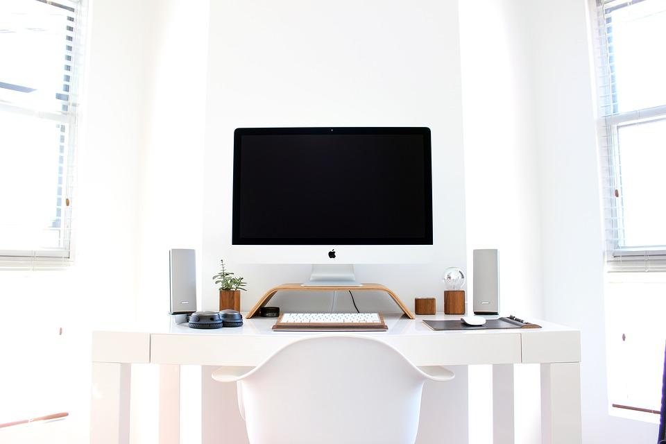 kanceláčský stůl